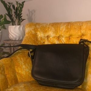 Authentic Vintage Coach Leather Bag!